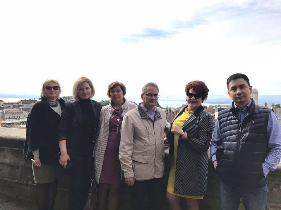 Фотографии со страницы директора казанской школы № 146 Диляры Каримовой в Facebook