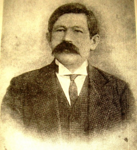 1200px-Ğayaz_Ishaqi,_1911