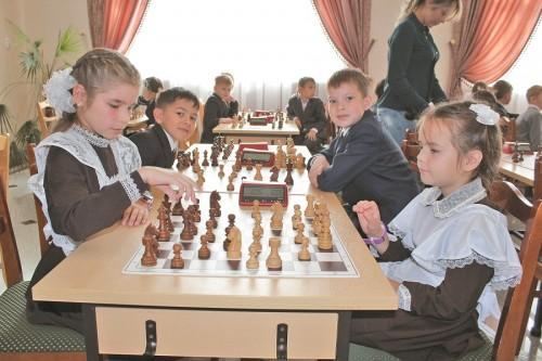 лен шах